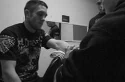 Paul_hand_taping